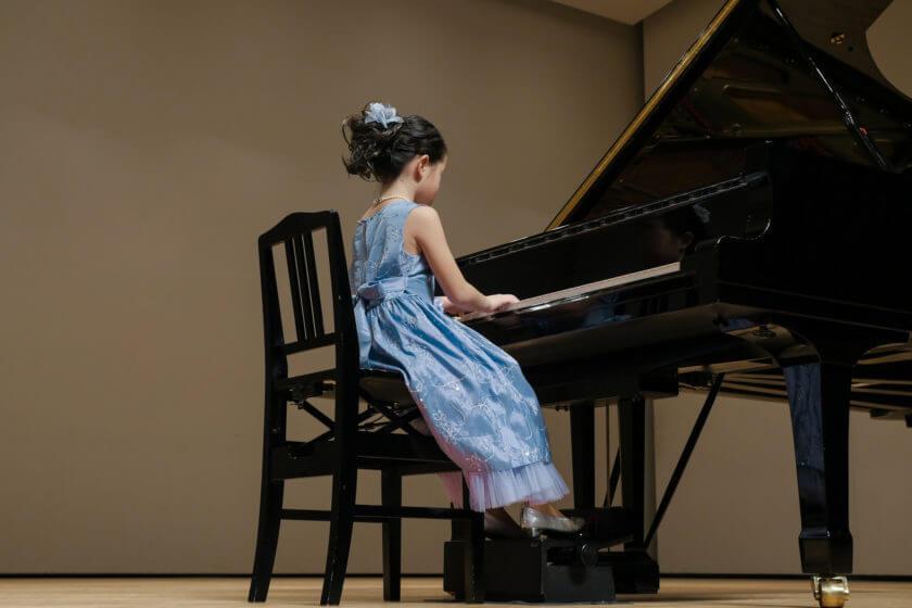 ピアノ発表会 母親の服装に相応しいのは?疑問解決でワンピース選びを!